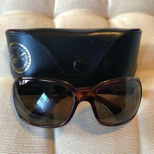 Ray-Ban Polarized Torteshell Sunglasses. Like New.